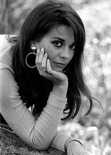 $5.99 - Natalie Wood Iconic Head Shot 1960s Lovely