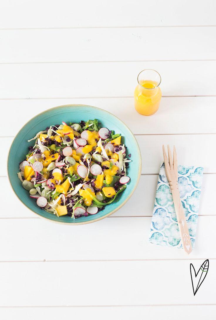 Deze salade staat binnen 10 minuten op tafel, dus 'geen tijd' als excuus om niet gezond te eten, heb je niet meer. Zorg gewoon voor veel verse groenten!