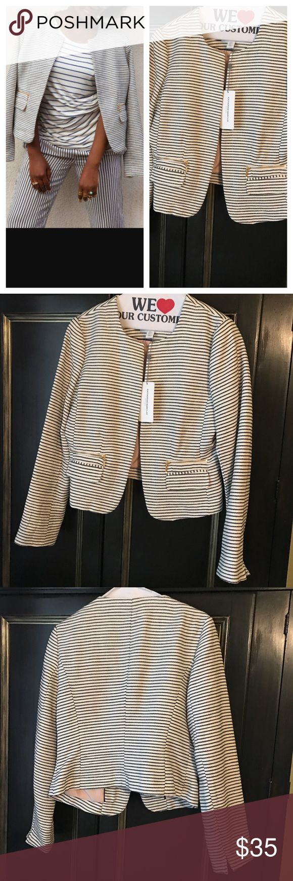 Katherine Barclays striped blazer jacket w pockets Very cute jacket with great stripes and zipper pocket - could be worn in so many different ways! Katherine Barclay Jackets & Coats Blazers