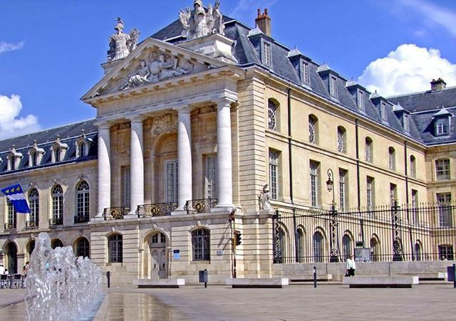 Dijon, the capital of historical Burgundy region. For more about France, visit our website. Link on the bio . . . . . . #dijon #bourgogne #burgundy #palaisdesducs #palais #palace #france #francia #prancis #perancis #francecommunity #visitfrance #beautyoffrance #igers #instagood #hello_france #instatravel #travelgram #travel #wanderlust #beauty #gorgeous #summer #eastfrance #east