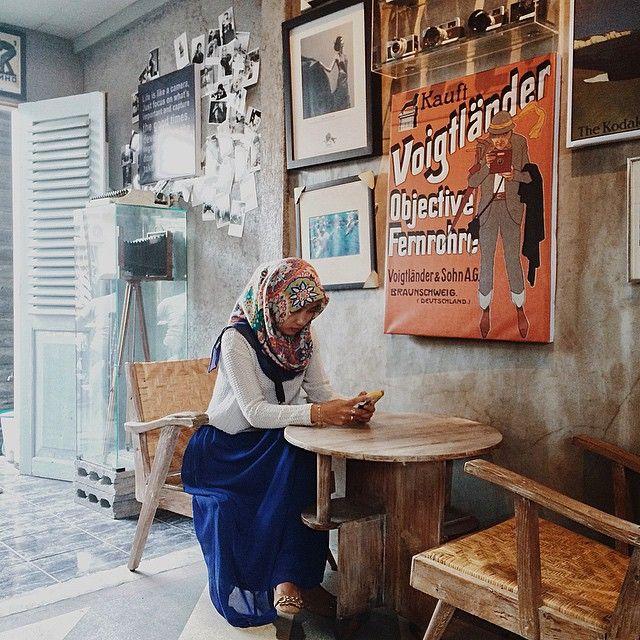 really! good place good mood! 😻👌 #malangcafe #malangkuliner #kulinermalang #exploremalang #interiordesign #vsco #vintage #vscogood #vscophile #kamera #peopleinsquare #followme #likes4likes #follow4follow