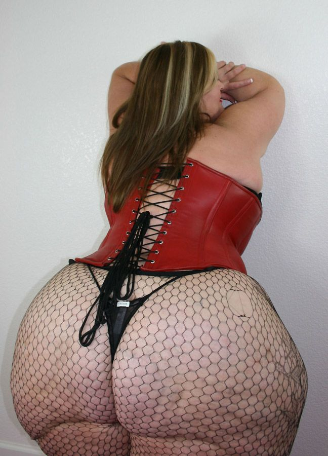 Thick girls with big butts naked — img 14