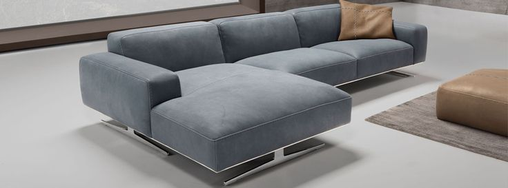 This gorgeous sectional from Max Divani is brand new in our store, come check it out!