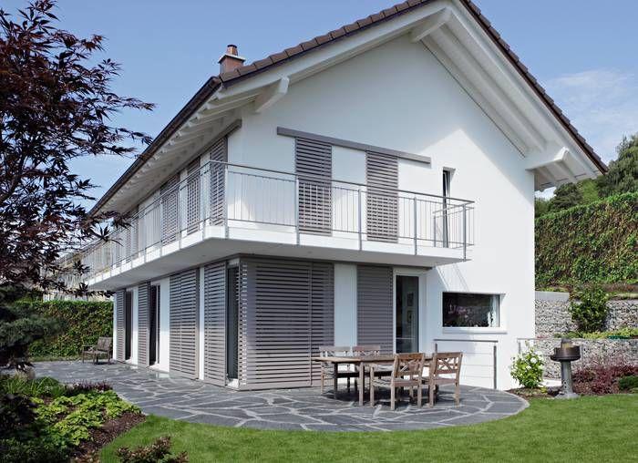 maison blanche volets gris coulissants d coration pinterest volets maison blanche et gris. Black Bedroom Furniture Sets. Home Design Ideas