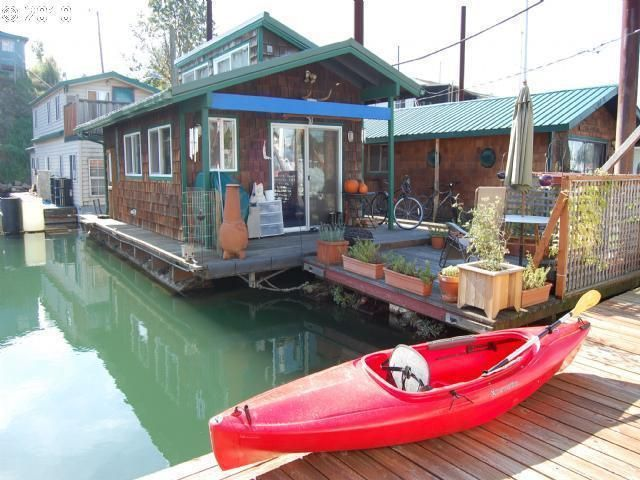 1439 best Houseboats no vessels and barges images on Pinterest