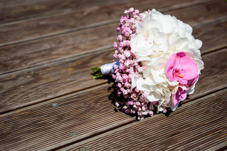 svatební kytice s orchidejí