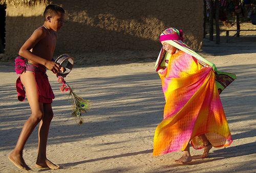 bailando Chichamaya de los indios de la Guajira Colombia