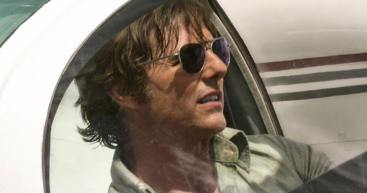 Tom Cruise Performed His Own Death-Defying Airplane Stunt in American Made -- Director Doug Liman reveals Tom Cruise was in the cockpit for his hair-raising flying scenes in American Made. -- http://movieweb.com/american-made-movie-tom-cruise-dangerous-plane-stunt/