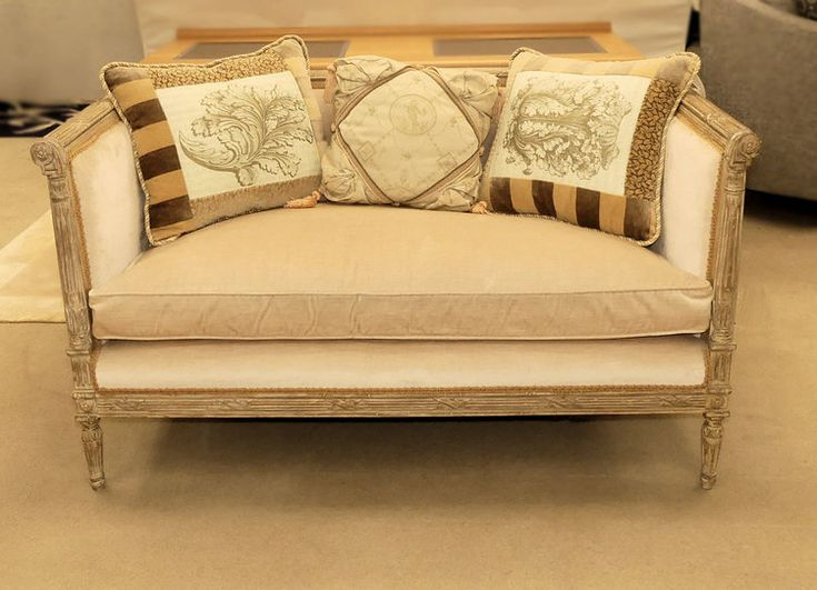 FRENCH LOUIS XVI SETTEE OR LOVESEAT BY MGM FURNITURE - MADE IN THE USA