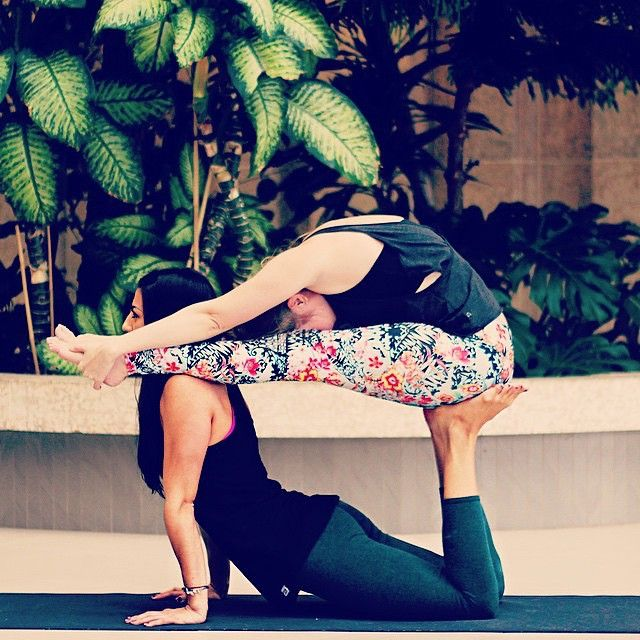 #repost @carrieokie88 Super creative partner assisted pose!