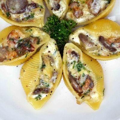 Pâtes Conchiglioni farcies au lard, champignons et Reblochon : 40 recettes au reblochon - Journal des Femmes