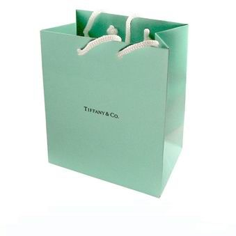 Ahhh the little blue bag. Who wouldn't want to see a TIFFANY back under the Christmas tree?