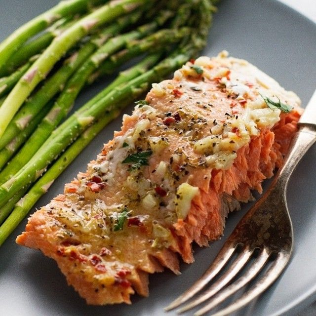 . Garlic Baked Salmon In Foil . By @LittleSpiceJar, visit the blog, link in the bio @LittleSpiceJar . 1¼ pound sockeye or coho salmon (preferably wild caught)* 2 tablespoons lemon juice 2 cloves garlic, minced ½ teaspoon salt ¼ teaspoon black pepper ¼ teaspoon Italian seasoning ¼ red pepper flakes 1 tablespoon chopped parsley, for garnishing Position a rack in the center of the oven and preheat the oven to 375ºF. (see notes). In a saucepan over medium heat, combine the lemon juice and minced…