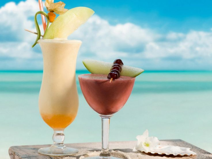 Summer cocktails at a resort = life can't get any better!