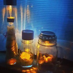 100均ソーラーライトを使った、おしゃれ照明の作り方をご紹介します!柔らかい光でおしゃれ部屋を盛り上げてくれますよ。アレンジは無限大!自分好みのオリジナル照明を作ってみてください。 | Clipersは女性向けキュレーション×2マガジンです。
