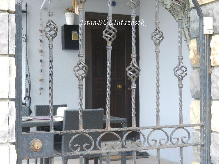 Cemréék bejárata