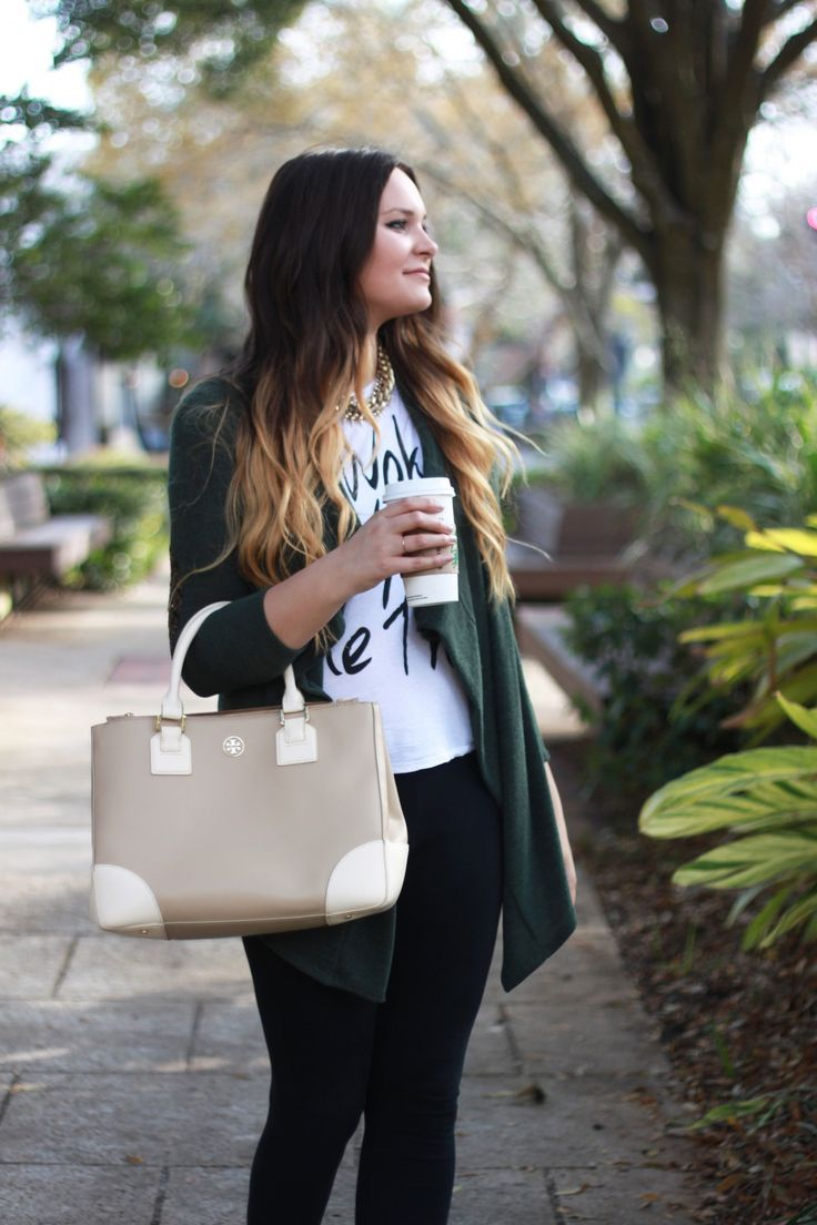 74d34e139 Fashion blogger Michelle Kehoe of Mash Elle styles an everyday affordable  outfit including Nordstrom black leggings
