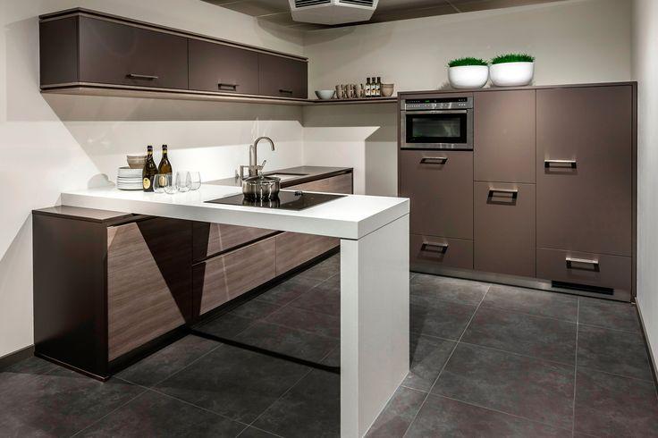 om aan de wand te beginnen met aanrechtblad ultramoderne keuken hier kastenwand 165, keuken: 295xd188