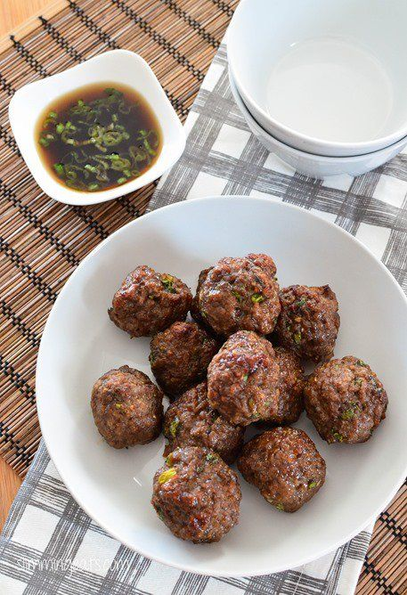 This recipe is gluten free, dairy free, Whole30, paleo and Slimming World (SP) and Weight Watchers friendly Slimming Eats Recipe Extra Easy –1.5 syns per serving Original – 1.5 syns per serving Asian Spiced Chicken Meatballs  Print Serves 4 Author: Slimming Eats Ingredients 500g of extra lean ground chicken 2 dried figs, stems removed...Read More »