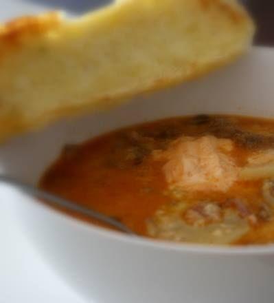 Denna soppan är perfekt att göra om man redan har fått lite tacosfärs över. Och jag tror att många familjeräter tacos på justfredagar,så idag är en perfekt dag att göratacossoppa Oftast så är det svårt att laga soppa hemma , som alla tycker om. Men denna soppan gillade både barn … Läs mer