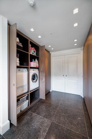 Bekijk de foto van montoviso30 met als titel Mooi washok waarbij deuren weggeschoven kunnen worden. en andere inspirerende plaatjes op Welke.nl.