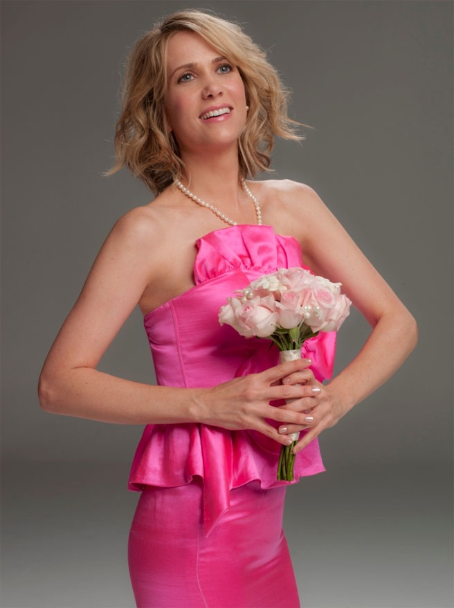 kristen wiig. Awkward bridesmaid photo.