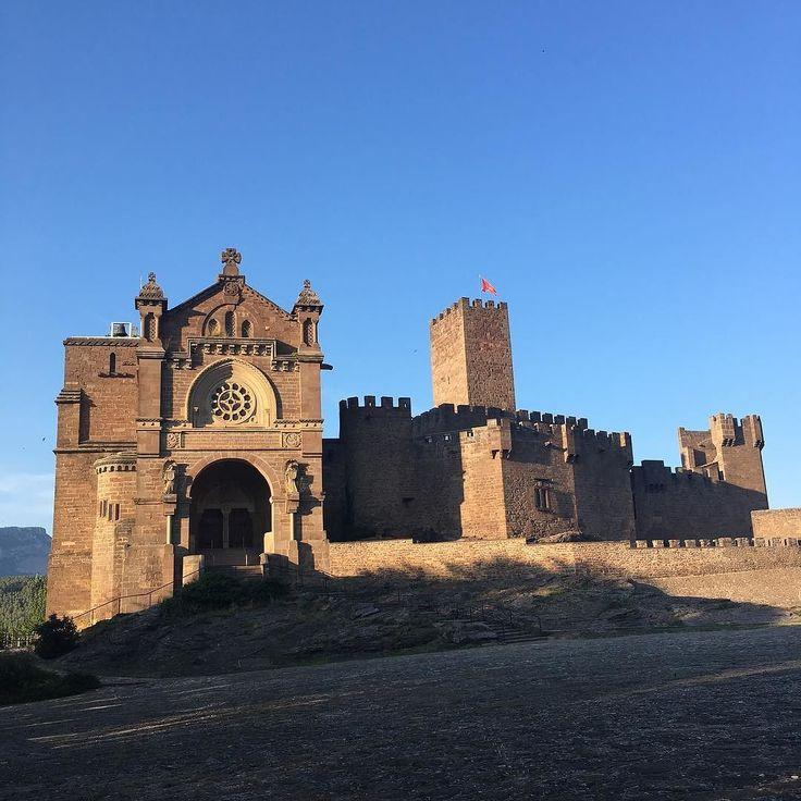 Aprovechando para conocer el entorno #conocer#viajar#navarra#cerca#mola#youtube #youtubers#vlog#javier#castillo#castillodejavier#katterox#behappy#bekatterox