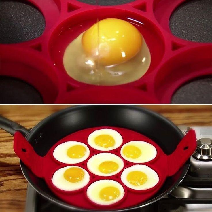 Fai le tue uova o pancakes facilmente con questo stampo. Facile da usare e da pulire, comodo per la colazione, ti farà risparmiare molto tempo d'ora in poi. Seguici su Facebook #eccoperchesonoalverde #ideeregalo #divertente #frasidivertenti