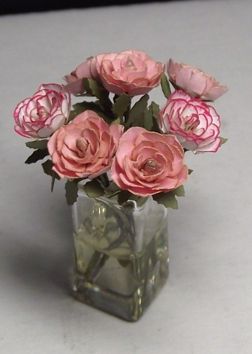 734 best images about miniature flower arrangements on for Small rose flower arrangement