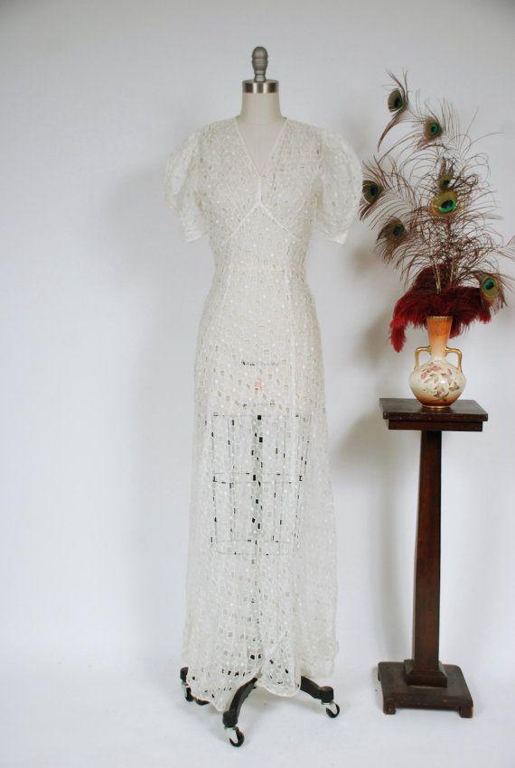 Robe de mariée vintage des années 1930 - rêveuse découpé pure coton Voile broderie anglaise dentelle des années 30 robe de mariée avec manches bouffantes dramatiques