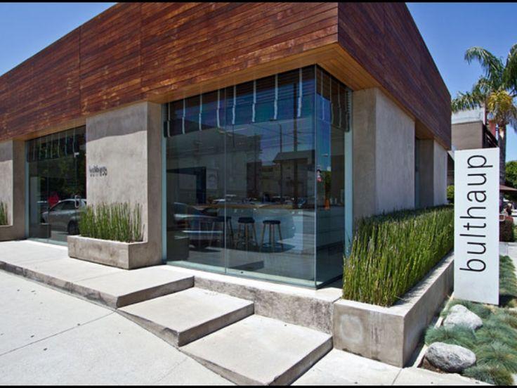Concrete Steps & Plinth.