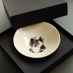 NZ  Gifts : Stunning little NZ made dipping bowls, beautifully boxed. http://www.newzealandshowcase.com/productdetails.cfm/productid/429