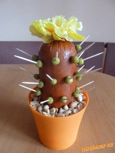 Salámový kaktus s postupem