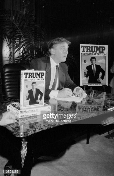 News Photo : Donald Trump Book Signing