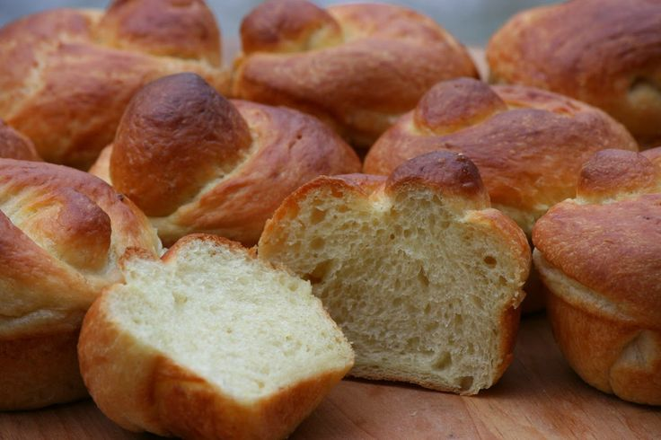 Vegan Brioche  As you may have noticed, I have been turning to mashed potatoes in more and more in my baking. In this recipe, they stand in for 5 eggs an...