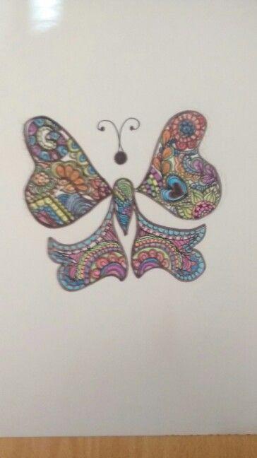 Esta mariposa creada por mi llena de zentangle art.