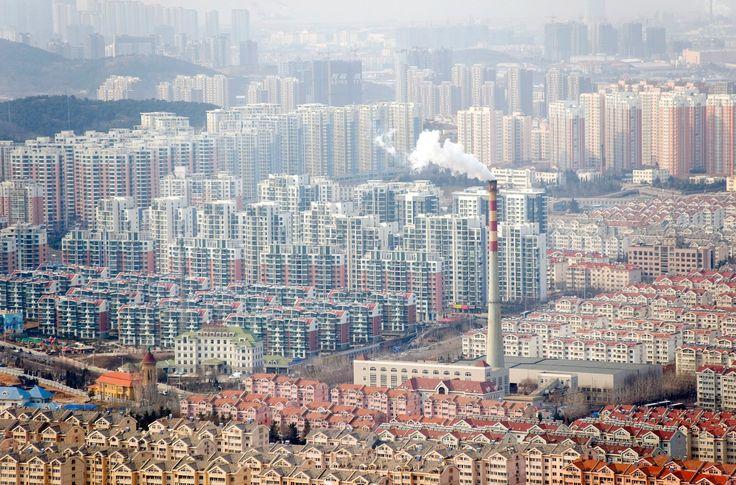 $36 миллиардов будет стоить железная дорога в китайском мега-городе Китай продолжает строительство мегагорода с потенциальной численностью населения выше, чем у большинства стран мира. В 2030 году проект должен быть завершен.  https://laowai.ru/36-milliardov-budet-stoit-zheleznaya-doroga-v-ki