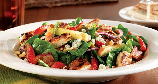 This Seasonal Chicken, Strawberry & Spinach Salad is Divine @ Cracker Barrel...Apples, Almonds, Bacon and Bleu Cheese add just the right touch.  copycat reciepe - http://heatherfeather-lavenderblue.blogspot.com/2009/11/copycat-recipe-attempting-cracker.html