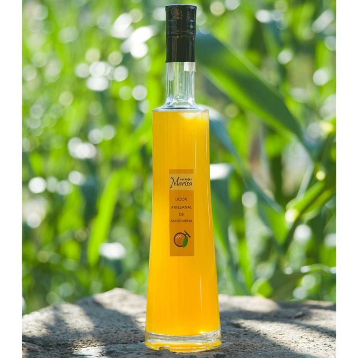 Productos elaborados – Naranjas Marisa. LICOR DE MANDARINA 500ml. Productos elaborados 100% naturales y de cosecha propia.