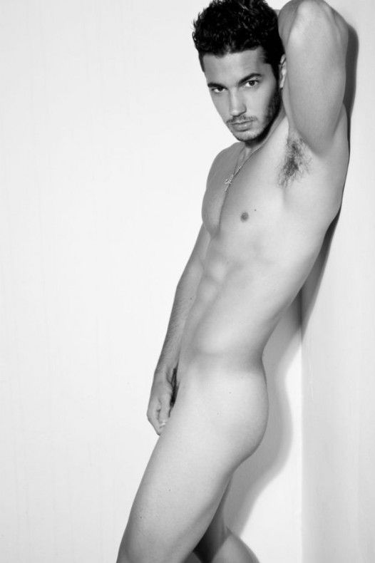mamacitas-male-model-patrick-nude
