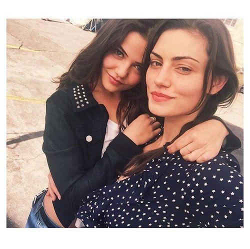 Phoebe Tonkin & Danielle Campbell
