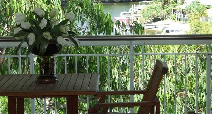 : : Noosa432.com.au : : Sophisticated and affordable accommodation, centrally located in the cafe and restaurant precinct of Hastings Street, Noosa Heads.