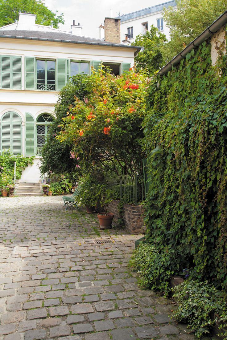 Musée de la Vie Romantique Art Museum in Paris, Île-de-France 16 rue Chaptal Un thé dans le jardin Le salon de thé du Musée de la Vie Romantique