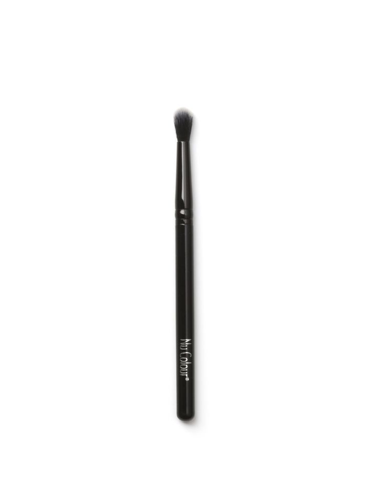 ANIMAL FREE - DESIGNED BY  Raphaël, the expert in professional brushes - EYE BLENDING BRUSH 4 Blend like a pro. This long, tapered brush expertly blends and softens shadow from outside to inside corner.