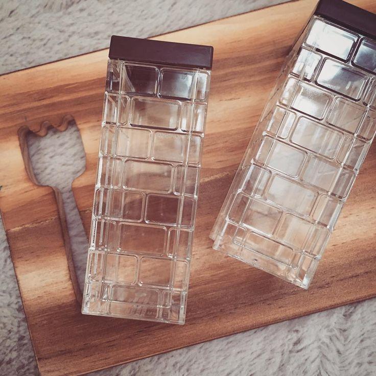 セリアから新たな人気商品が生まれました♡それは、キッチンには必須アイテムともいえるスパイスボトル♡スパイスのパッケージのまま保存するのではなく、スパイスボトルに詰め替えるだけで、ぐんとおしゃれに…♩今日は、こちらの話題の商品をご紹介します!