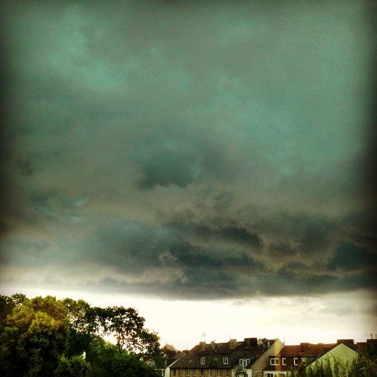 In thunder, lightning or in rain ...