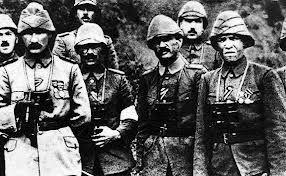 """""""Onlar mukaddes vatan toprakları için canlarını seve seve vermişler, Çanakkale Savaşları'nın kaderini değiştirmişlerdir. Burada geçen her saniye, kullanılan her an, ölen her nefer, Türk vatan ve milletinin mukadderatını çizmiştir. Kara savaşlarına katılan ilk birlik olan 57. Alay, vatan sevgisinin ne olduğunu insanlığa göstermiştir. Bu kahraman Alayı hayranlık, minnet ve rahmetle anıyorum..""""Mustafa Kemal Atatürk"""""""