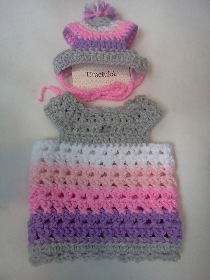 Crochet coat for pets with the cap...