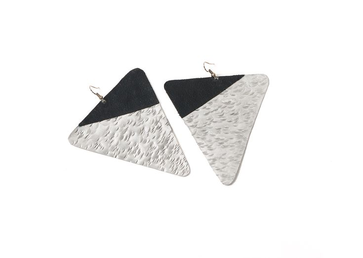 Funky statement earrings. Perfect accessory for everyday  with jeans or a dress #earrings #statementpiece €42