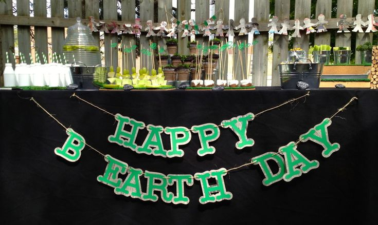 """Earth""-themed birthday party with great conservation details! Perfect since #earthday is right around the corner. #kidspartyEarth Them Birthday, Birthday Parties, Earthday"